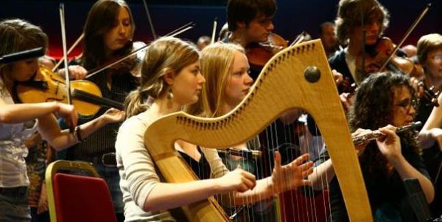 Emily Hoile - Harp (Awardee 2010)